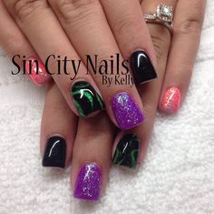 Check out this funky nail design by Gel II educator Kelly, we are loving them!! @sincitynails #naildesign #cutenails #manicure #gel