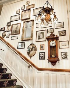 🙌🏼 Do you love staircase gallery walls as much as I do? it stopped me in my tracks. had to share with my peeps! Check my stories for more views of this gallery wall! Wall Decor, Decor, House Design, Staircase Wall, Interior Design, Staircase Wall Decor, Interior, Staircase Design, Home Decor