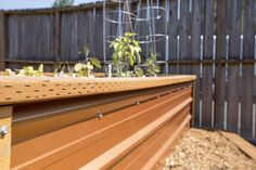 Dunn DIY How to Build a Self Watering Raised Bed Part 2 Installing the Irrigation Seattle WA 16 Watering Raised Garden Beds, Raised Garden Beds Irrigation, Diy Self Watering Planter, Garden Watering System, Raised Garden Planters, Backyard Vegetable Gardens, Raised Beds, Greenhouse Gardening, Garden Yard Ideas
