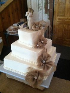 Cute rustic wedding cake- Love the idea of willow tree figurine at the top hate the cake though. Wedding Cake Rustic, Chic Wedding, Perfect Wedding, Fall Wedding, Our Wedding, Wedding Cakes, Dream Wedding, Rustic Cake, Purple Wedding