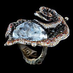 1 diamond slice 11,93 ct  179 diamonds 1,13 ct  106 champagne diamonds 0,79 ct  176 cognac diamonds 1,17 ct  18K yellow gold 21,3 g