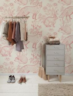 Pink forest animals removable wallpaper pink and beige # 9 - Trend Identity Design 2019