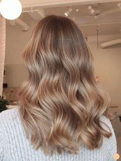 Brown Hair With Blonde Highlights, Blonde Hair Looks, Balayage Hair Blonde, Brown To Blonde, Brunette Hair, Dark Blonde Hair Color, Blonde Honey, Bronde Hair, Blonde Hair On Brunettes