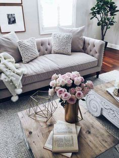 Living room accessories | pink flowers (preferably peonies) and gold accents