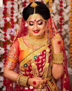 Indian Wedding Couple Photography, Indian Wedding Bride, Bengali Wedding, Bengali Bride, Wedding Hair, Bridal Hair, Bengali Bridal Makeup, Bridal Eye Makeup, Indian Bridal Outfits