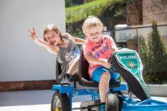 Stock Auto-Spielplatz Baby Strollers, Bike, Gym, Children, Sports, Autos, Playground, Families, Kids