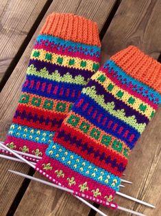 Crochet Socks, Knitting Socks, Blanket, Boho, Clothes For Women, Knitted Scarves, Socks, Accessories, Fingerless Gloves