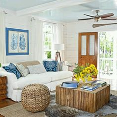Love blue and white combination.
