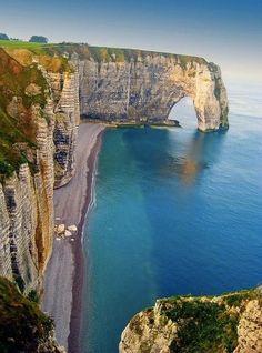 Vayama  Have you ever visited the Sea Cliffs in Etretat, France?