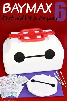 Big Hero Build your very own personal healthcare companion with a Baymax first aid kit and ice pack Disney Diy, Disney Crafts, Disney Love, Diy Craft Projects, Fun Crafts, Craft Ideas, Best Disney Animated Movies, Big Hero 6 Baymax, Ice Pack