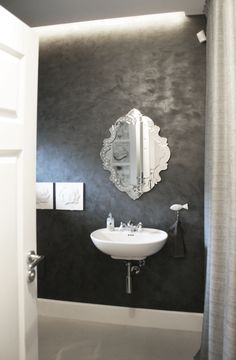Bathroom, mirror, black&white, retro