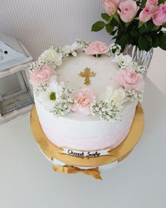 First Communion Decorations, First Communion Cakes, Religious Cakes, Confirmation Cakes, Cake Decorating Frosting, Beautiful Birthday Cakes, Beautiful Desserts, Sweets Cake, Floral Cake