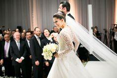 Mais um casamento judaico para fechar a semana! Mali e Marcelo se casaram no Hotel Unique, com cerimônia e festa orquestradas pela Raro Carmim. Os dois se