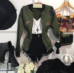 Love the jacket! Date Outfits, Grunge Outfits, Outfits For Teens, Spring Outfits, Winter Outfits, Fashion Outfits, Womens Fashion, Mode Rock, Look Star