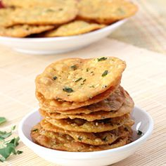 Methi Puri - Wheat Flour based Deep Fried Crispy Puri - Fresh Fenugreek Leaves and Sesame Seeds Flavored Indian Snack - Diwali Nasta - Step by Step Recipe Indian Sweets, Indian Snacks, Indian Food Recipes, Vegetarian Recipes, Snack Recipes, Cooking Recipes, Indian Breads, Breakfast Recipes, Cooking Tips