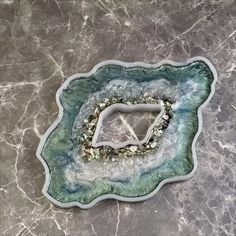 Bilder basteln How to build a water pond ! Epoxy Resin Art, Diy Resin Art, Diy Resin Crafts, Resin Molds, Silicone Molds, Diy Epoxy, Stick Crafts, Art Crafts, Resin Artwork