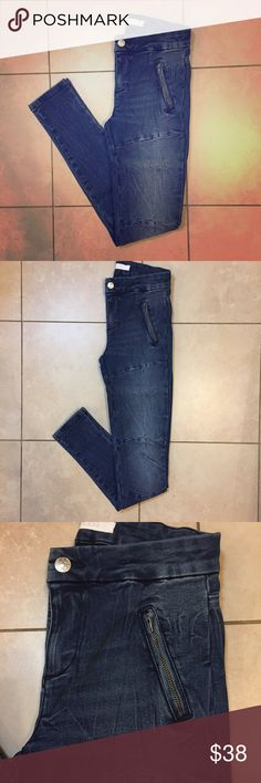 "Guess Athletic Moto Jeggings NWOT super stretchy Moto jeggings from Guess. Non functional 4.5"" zipper welts. Scrunched wash with Moto seaming details on leg and at knees. No back pockets. 8"" mid rise, 28.5"" Inseam, 9"" leg opening. Guess Jeans Skinny"