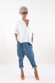 Hippie Hose, Hippie Pants, Short Grey Hair, Short Hair Cuts, Blouse En Lin, Bob Haircut For Fine Hair, Plus Size Peplum, Plus Size Kleidung, Drop Crotch Pants