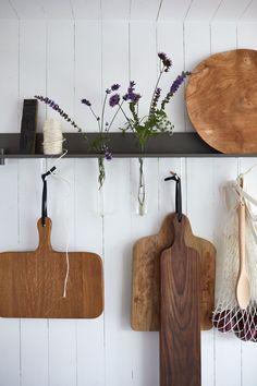 Big Kitchen, Country Kitchen, Kitchen Decor, Kitchen Ideas, Used Cabinets, Watercolor Art Diy, Counter Design, Nordic Home, Scandinavian Cabin