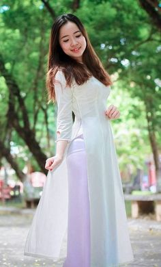 Long Dress Fashion, Sexy Long Dress, Sexy Dresses, Girl Fashion, Fashion Dresses, Vietnamese Traditional Dress, Vietnamese Dress, Traditional Dresses, Ao Dai