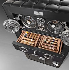 Cigar safe