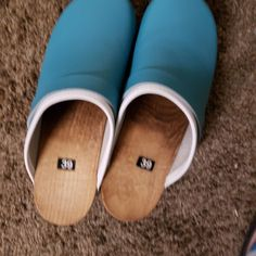 """Soft Clogs red / DELIVERY STOP for overseas since April ! - """"But I can make your Clogs for sending after the crise ! Clogs Shoes, Shoe Boots, Shoe Bag, Wooden Arch, Orthopedic Shoes, Custom Made Shoes, Wooden Clogs, Spring Photos, Thick Leather"""