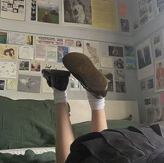 Hipster Grunge, Grunge Style, Soft Grunge, Aesthetic Photo, Aesthetic Pictures, Aesthetic Indie, Brown Aesthetic, Style Dr Martens, Fjallraven