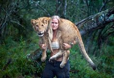 Awesome Animals: The special bond between human and 2 Lion cubs
