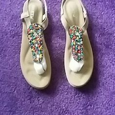 Brand New Never Worn New Jewel Front Tan Sandals