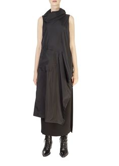 This is the 'Zeci' Black Taffeta Tunic Top by our friends at XD Xenia Design! Make a statement this season with the Xenia Design. Boasting a beautiful design, this top features a long body, is sleeveless, and a lovely loose fit. Xenia Design, Split Skirt, Tube Skirt, Black Lace Tops, Fabric Design, High Neck Dress, Dresses For Work, Tunic Tops, Ladies Tops