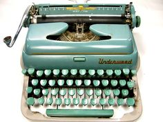 New obsession:  vintage typewriters (most specifically, green or blue ones)
