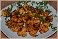 Marinované žampiony Tandoori Chicken, Vegetable Recipes, Main Dishes, Recipies, Stuffed Mushrooms, Food And Drink, Low Carb, Treats, Vegetables