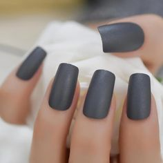 Want some ideas for wedding nail polish designs? This article is a collection of our favorite nail polish designs for your special day. Dark Grey Nails, Grey Matte Nails, Matte Nail Polish, Square Acrylic Nails, Square Nails, Wedding Nail Polish, Nail Length, Nail Polish Designs, Nail Designs Gray