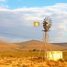 In die Karoo Landscape Photos, Landscape Paintings, Landscape Photography, Watercolor Paintings, Farm Windmill, Windmill Art, Smell Of Rain, Old Windmills, Out Of Africa