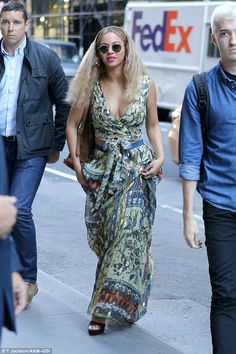 Show stopper: Beyoncestepped out in New York City on Friday looking absolutely divine in ...