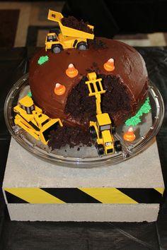 Construction Theme birthday cake for boy