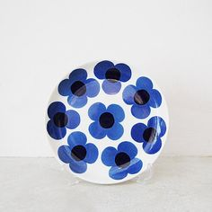 To know more about ARABIA aurinko plate, visit Sumally, a social network that gathers together all the wanted things in the world! Art Gallery Fabrics, Scandinavian Home, Pottery Painting, Marimekko, Clean Design, Finland, Decorative Bowls, Blue And White, Ceramics
