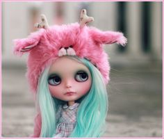Blythe Doll---look at that hat!
