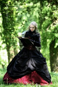 Never with out a book - Gothic forest