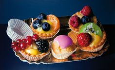 The Terrier and Lobster: Luigi Benedicenti's Photorealist Paintings of Desserts