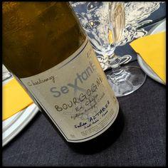 Bourgogne en Chapon, Chardonnay 2014, Sextant - Julien Altaber (Saint-Aubin). Robe légèrement trouble, nez vineux et croquant, belle acidité, en bouche de beaux fruits blancs et des notes charmantes de cidre bourru comme on peut le boire dans les cidreries espagnoles. Très joli vin. 15/20 (11 septembre 2016)