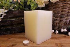Κεριά μασίφ τετράγωνα σε χρώμα εκρού ΤΧ1520ΧΕΚ. Πλευρά: 15εκ. Ύψος: 20εκ. Pillar Candles, Taper Candles