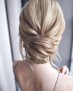 Vintage Hairstyles Updo updo braided updo hairstyle,simple updo, swept back bridal hairstyle,updo hairstyles ,wedding hairstyles Chic Hairstyles, Braided Hairstyles Updo, Wedding Hairstyles For Long Hair, Vintage Hairstyles, Updo Hairstyle, Braided Updo, Bridal Hairstyles, Gorgeous Hairstyles, Hairdos