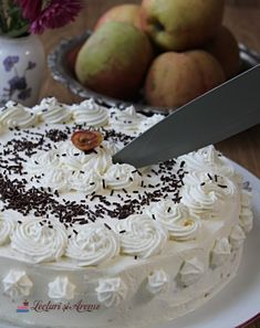 Tort cu mere și biscuiți No Cook Desserts, Cooking, Sweet, Recipes, Food, Sweets, Pie, Kitchen, Candy