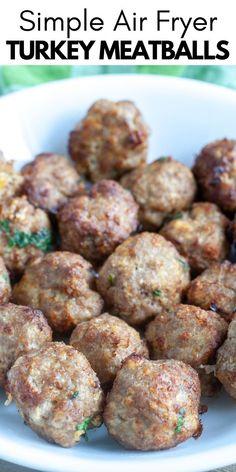 Air Fryer Dinner Recipes, Air Fryer Recipes Easy, Ground Turkey Meatballs, Tasty Meatballs, Healthy Turkey Meatballs, Air Fryer Healthy, Albondigas, Healthy Meal Prep, Food And Drink