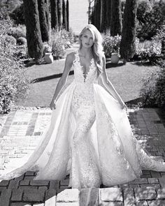 Love the lace details in this perfect wedding gown 😍 ❤ Double tap if you like this style ... . . Dress from @Pronovias Photo by @miguelreveriego . . #weddingforward #weddingblog #bridalshower #instabride #instawed #weddinginspiration #weddingplanner #outfitoftheday #fashionweek #beautiful #singapore #italy #vogue #gown #versace #gowninspo #highheels #whitedress #weddingdress #ballgown #instalove #whitegown #dream #styleblogger #loveu #weddingbells #weddingidea #instawedding #prada #trend