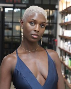 How To Keep Long Hair In Tip Top Condition. The long hair style is hot, which is why lots of women choose to use prolonged, free-flowing hairs rather than the popular short styles of the day. Natural Hair Haircuts, Natural Hair Short Cuts, Tapered Natural Hair, Short Hair Cuts, Natural Hair Styles, Short Hair Styles, Short Blonde Haircuts, Blonde Twa, Platinum Blonde Hair