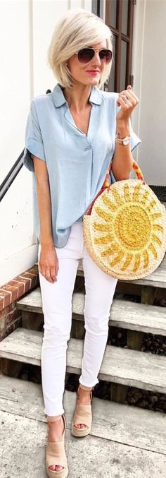 #spring #outfits woman in teal dress shirt and white jeans. Pic by @loverlygrey