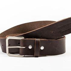 A little more of a subtle color for this @parkerclayintl belt, making it perfect for casual outfits! 👌🏼 #parkerclay #ethiopia #parkerclayintl #leather #madeinethiopia #everydayparkerclay #handmade #belt #fashion #shoppingonline #summertime #productphotography #accessories