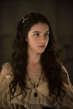 Fleur is the wife of Offa, the brother of Queen Auron of Vandal. She is also the cousin of Tristian, and of the house of Carvel. She was given to Offa as part of a treaty formed between the Red Kingdomers and the Vandals.